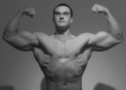 natural bodybuilder double biceps